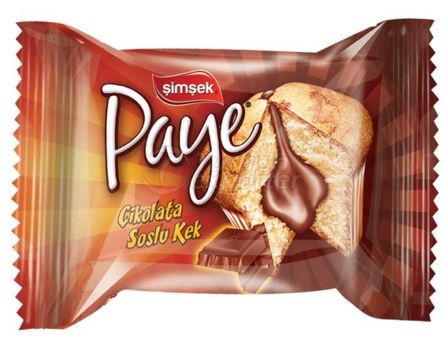Paye Cake with Chocolate Sauce