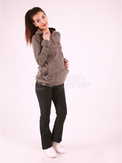 Maternity Clothes Heart Covered T-Shirt