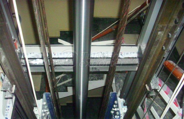 Ascenseurs hydrauliques de fret