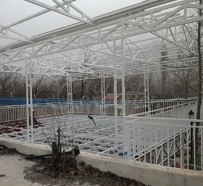 Construção de telhado de aço