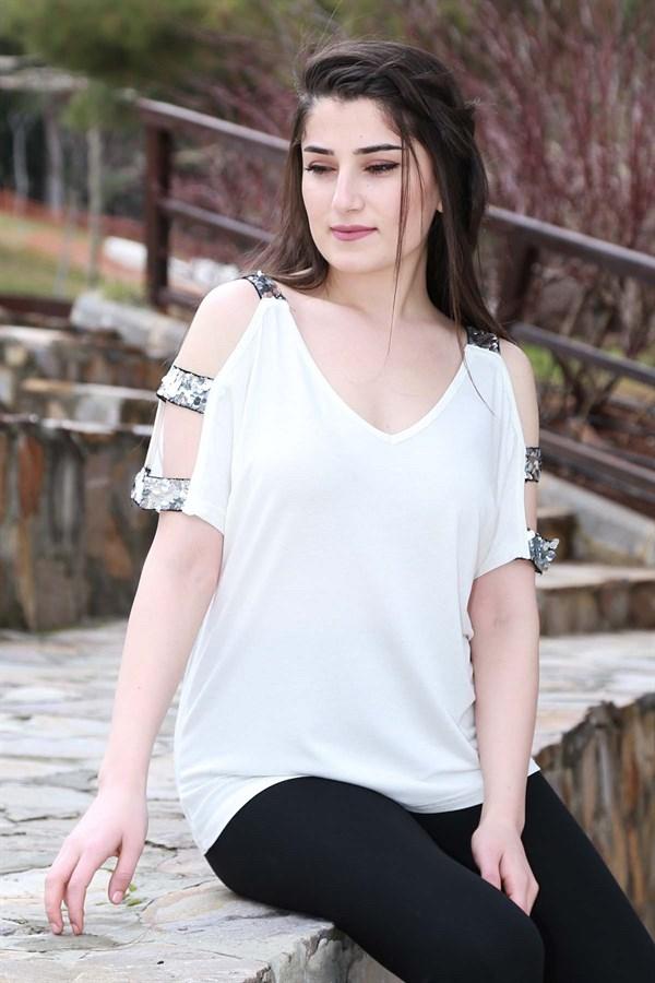 Shoulder Tulle Accessorized Blouse