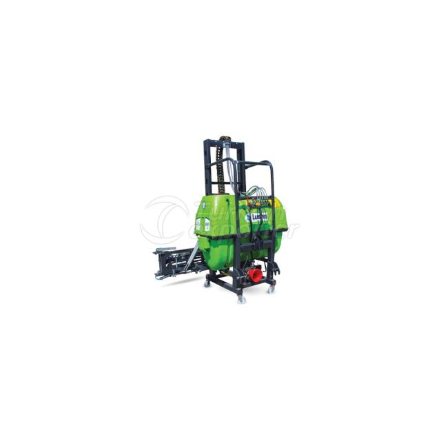 800 Lt. Hydraulic Lifted High Chasis With Membrane Pump