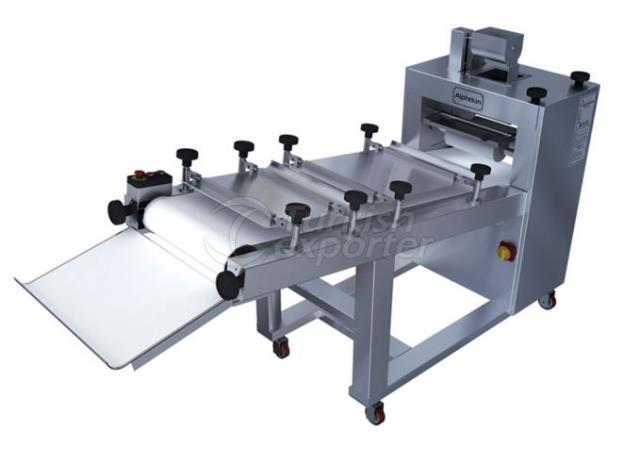 Máquina de moldagem de massa longa