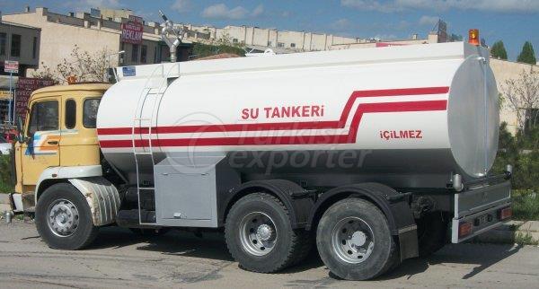 Caminhão tanque de água