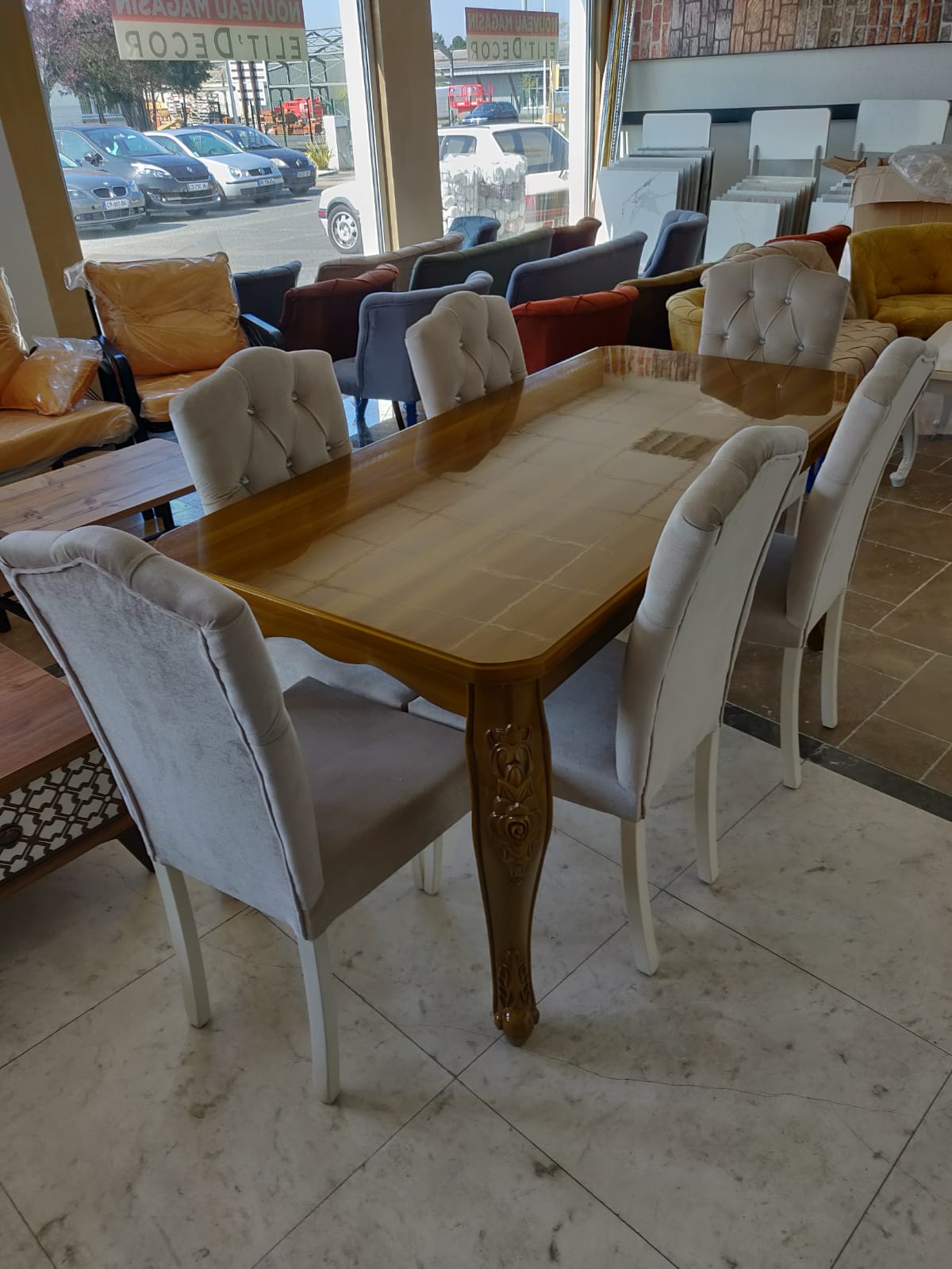 Roza Dining Table4