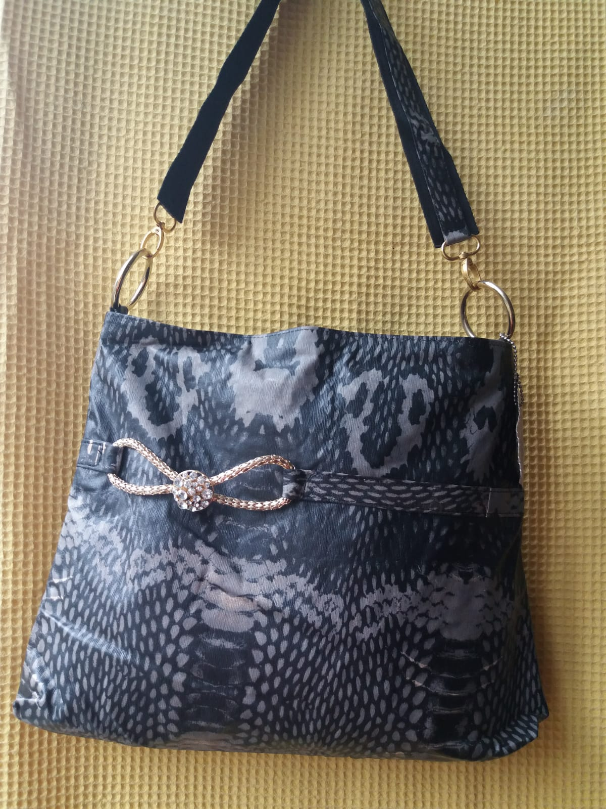 Leather hand bag for woman, 100% leather