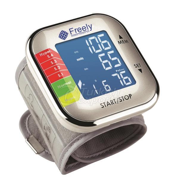 مقياس ضغط الدم من العضد