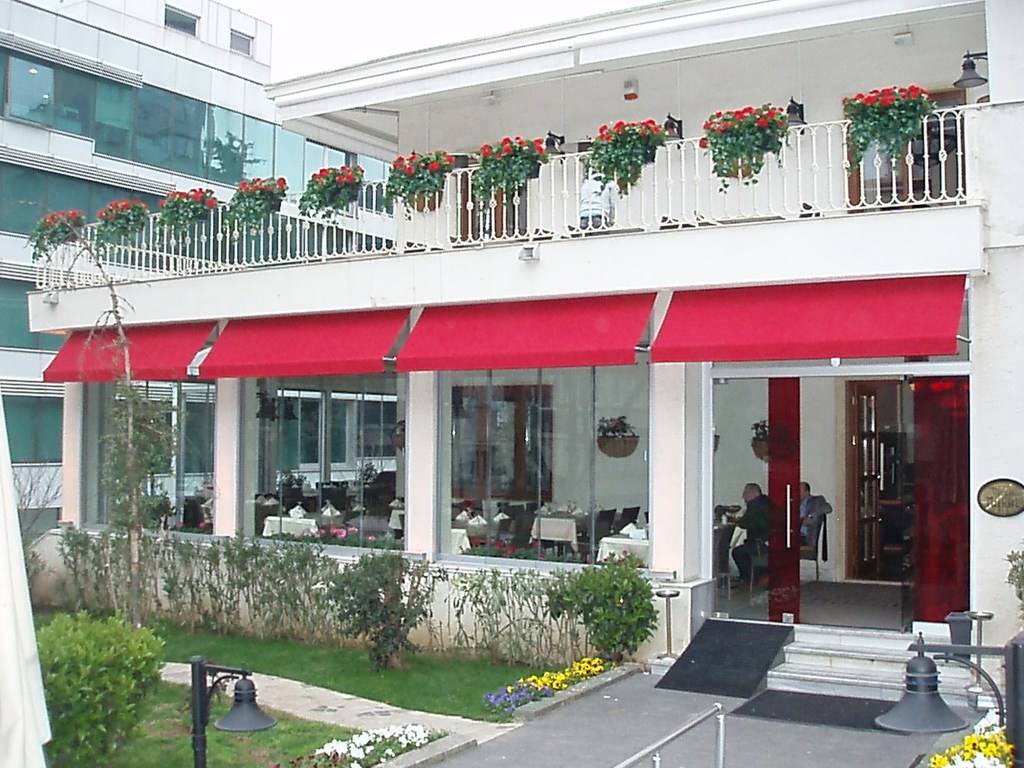 Articulated Awning