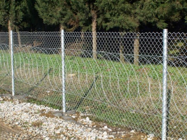 Razor Barbed Wire (Tape Concertina)