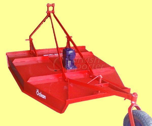 مكينة حصاد عشب