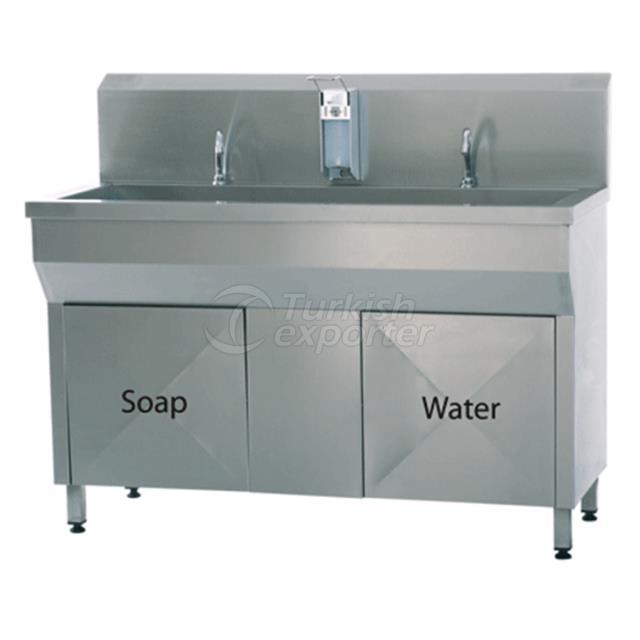 doctor wash hand sink
