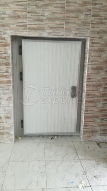 cold room hinged door