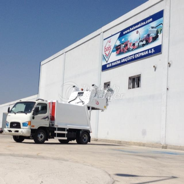 Véhicules de collecte des déchets avec presse hydraulique