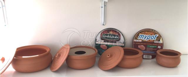 Pottery kitchenwares