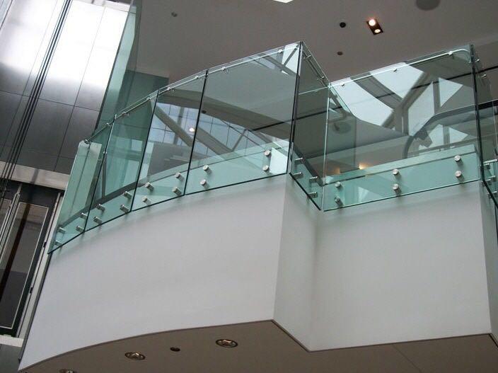 إكسسوارات أنظمة درابزينات الزجاج والجام