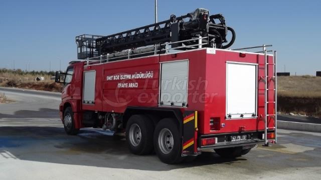 Véhicules de lutte contre l'incendie avec échelle hydraulique