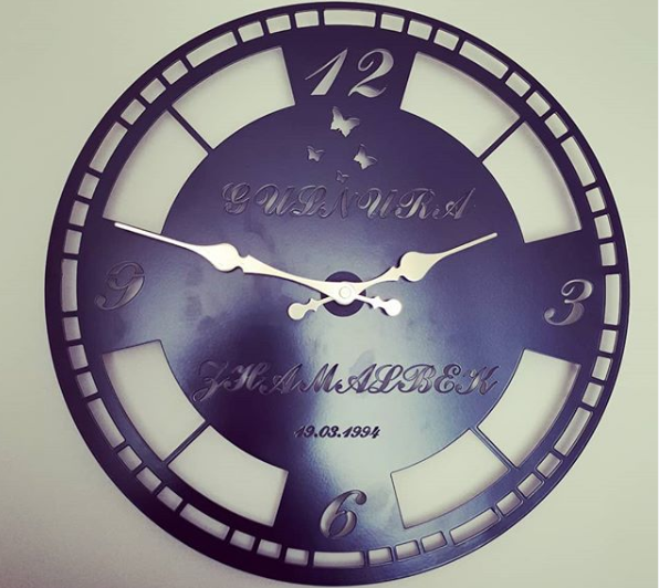 wall clock for special days