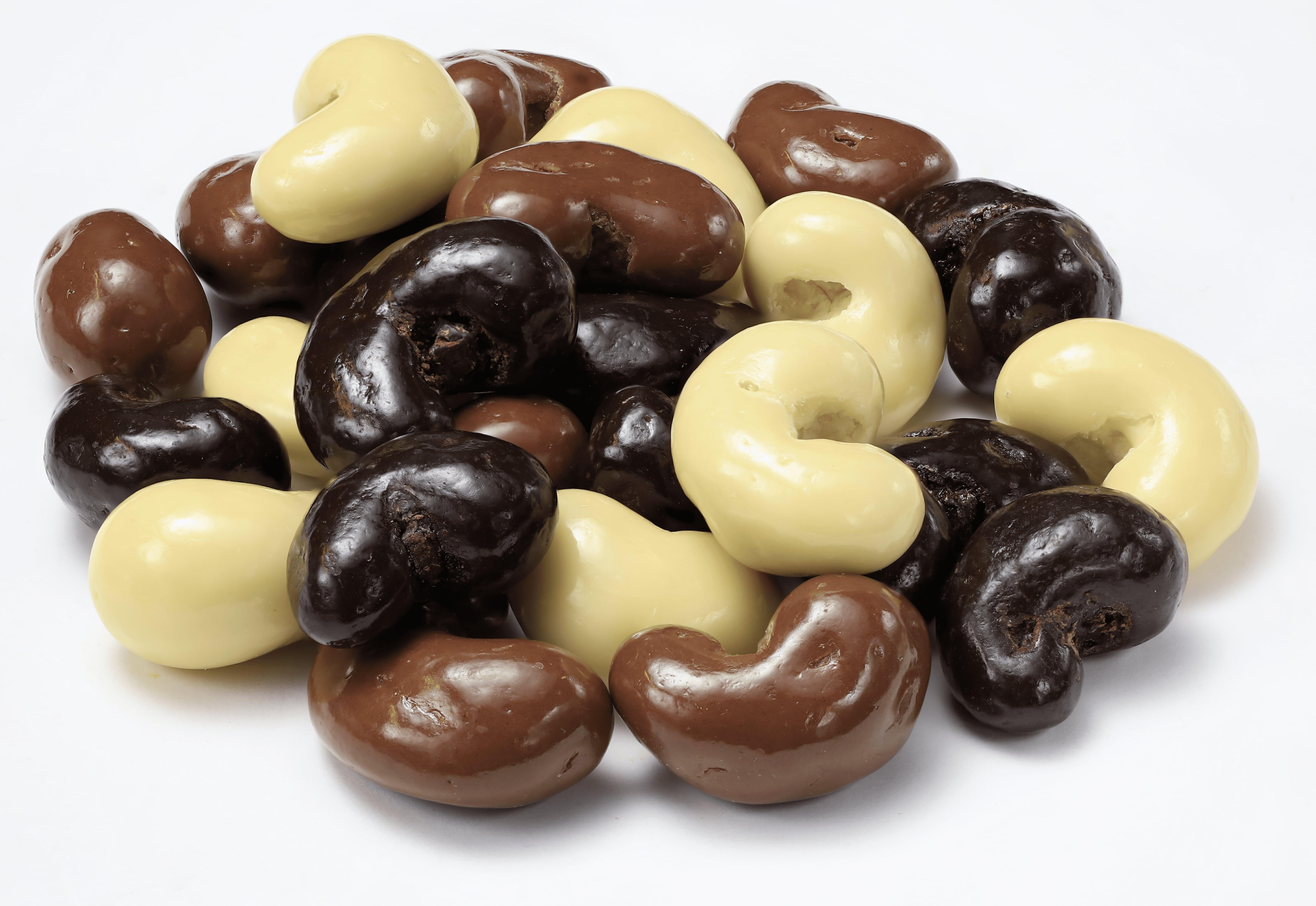 Chocolate Coated Cashew Dragee