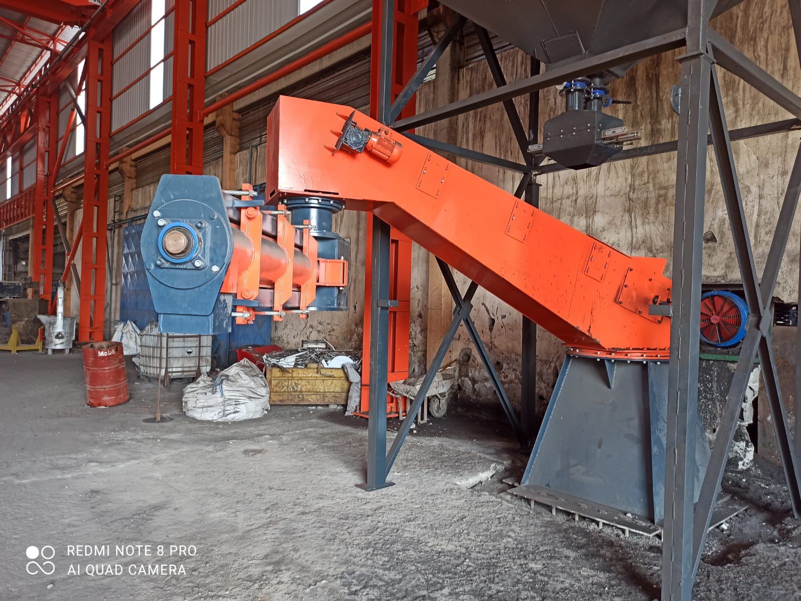 Sand mixing machine