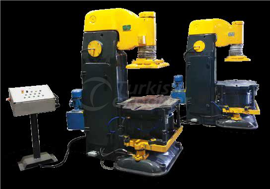 JOLT AND SQUEEZE MOULDING PRESS