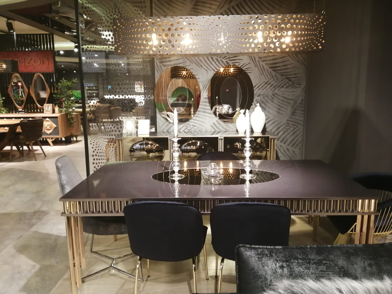 Oreo Dining Room