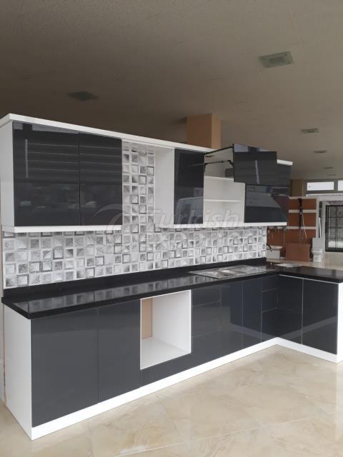 yannis-kitchen cupboard
