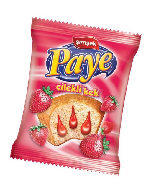 Paye Cake with Strawberry Sauce