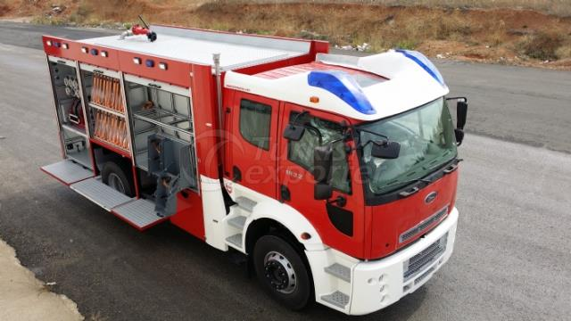 Véhicules de lutte contre l'incendie avec échelle portative