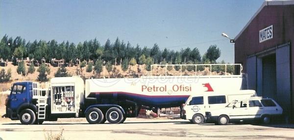 Semirremolque Tipo Aviones de reabastecimiento de combustible