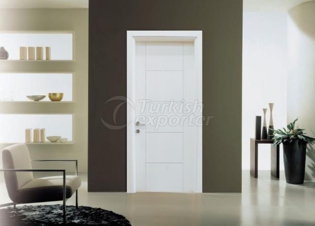 Лаковые двери