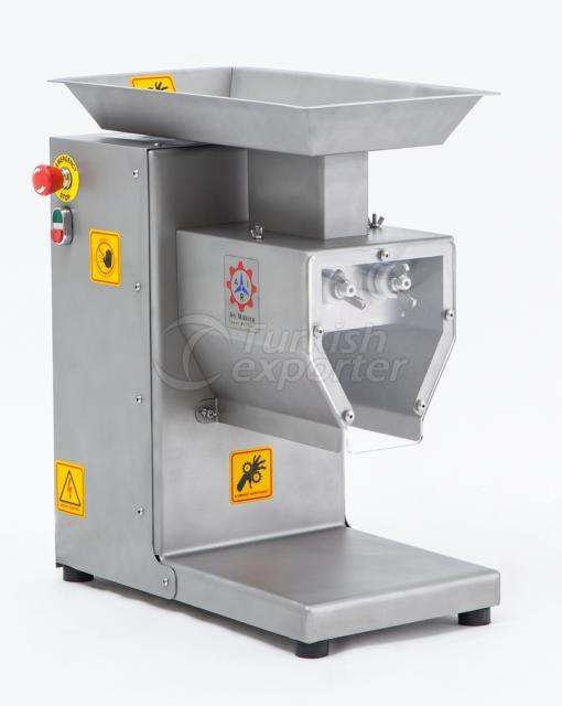 Machine à cubes de viande