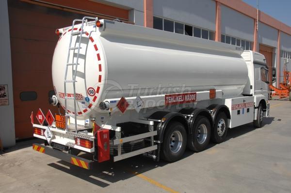 Camión cisterna cilíndrico 02