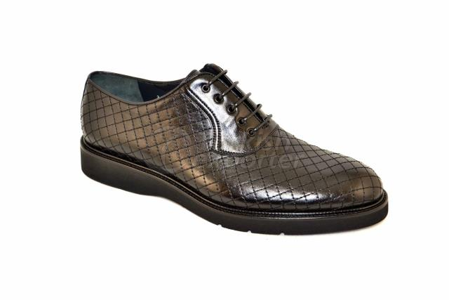 3675-1 Black Cow Willer Shoes