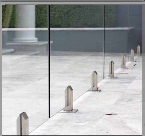 Accesorios de soporte para sistemas de barandas de vidrio
