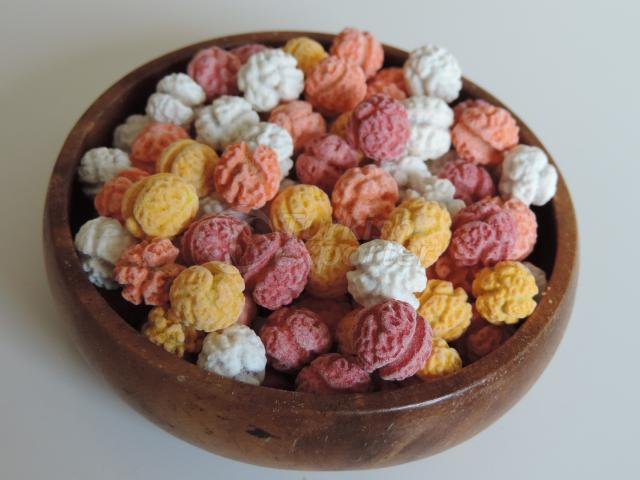 Sugar Coated Chickpeas Colored