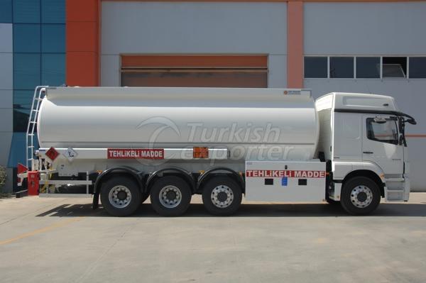 Camión cisterna cilíndrico 01