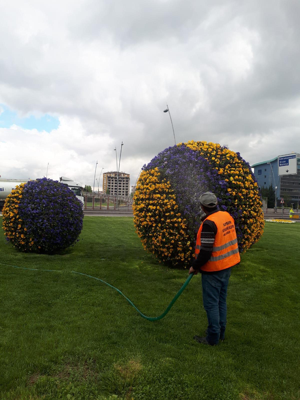 Mobiliario urbano - Bola de flores