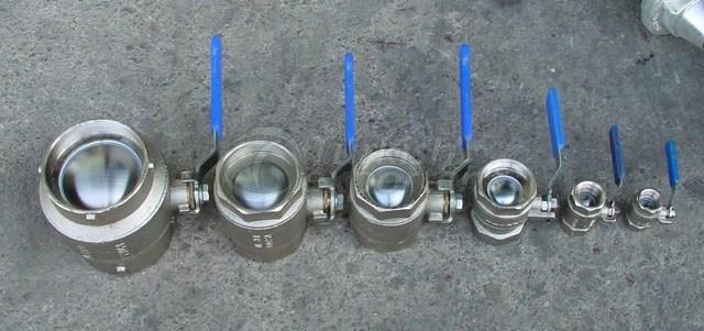 Em materiais do equipamento do veículo