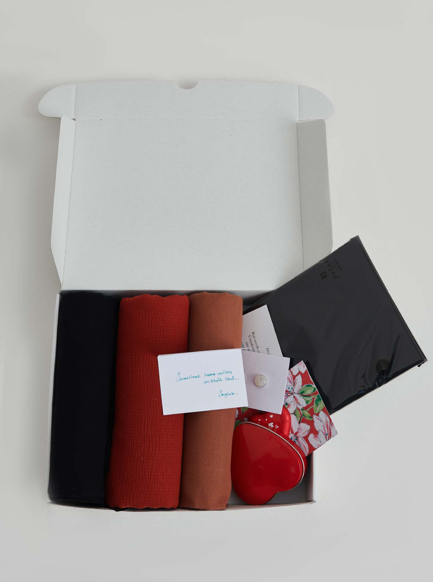 Hijab Gift Pack Love
