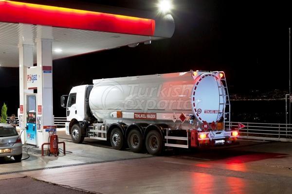 Camión cisterna cilíndrico 03