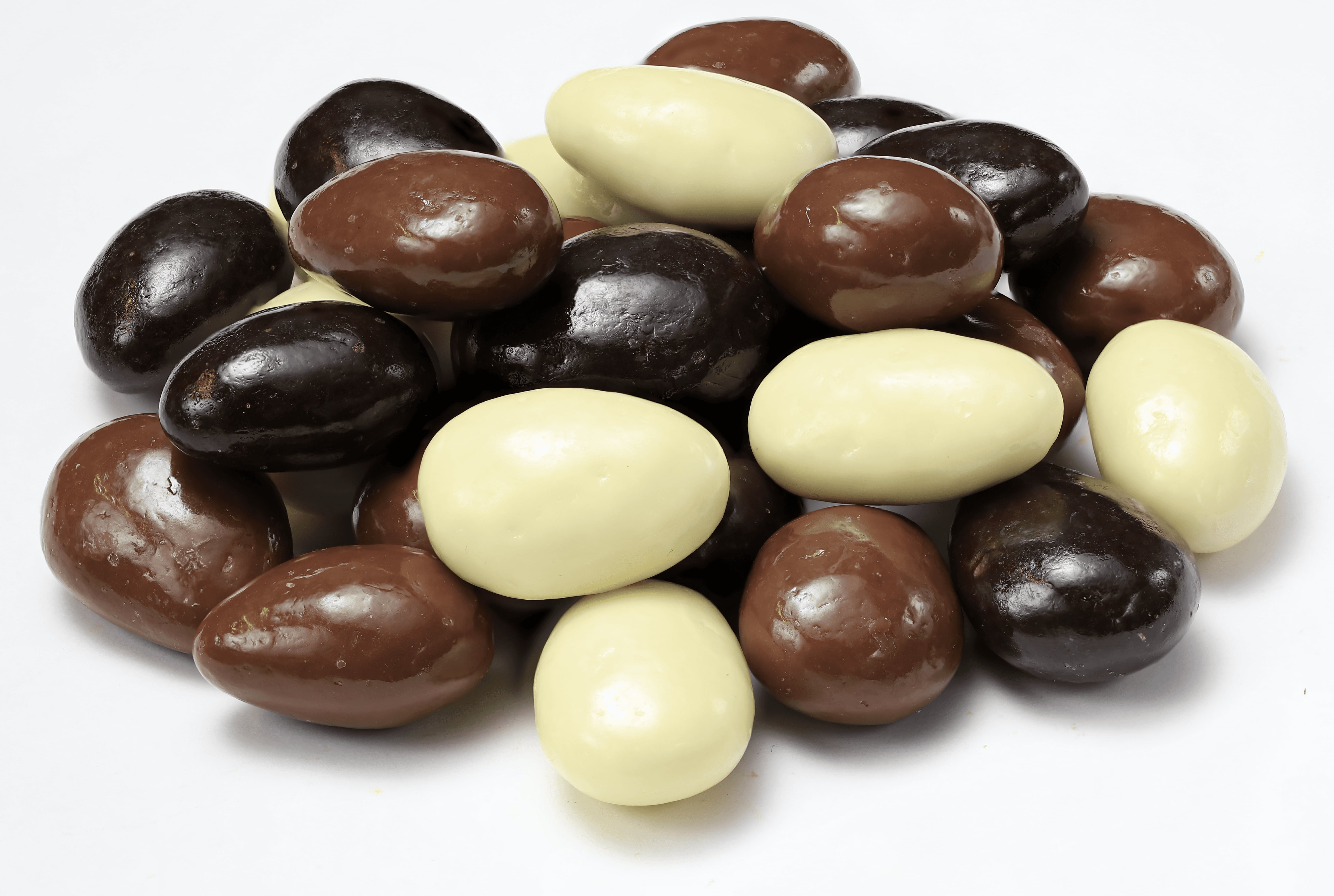 Chocolate Coated Almond Dragee