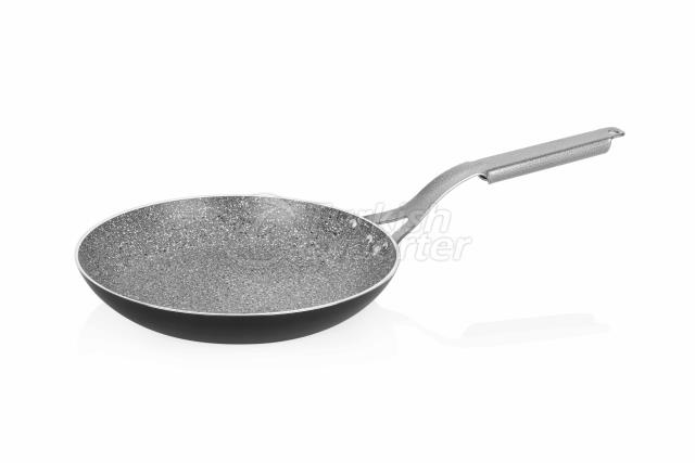 REGAL TITANIUM FRYING PAN