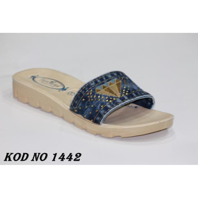 Woman Slippers 1442