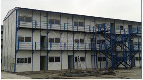 Tres pisos prefabricados